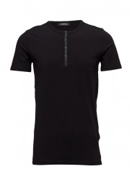 T Shirt Roundneck