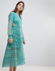 Three Floor Lace Midi Dress With Bell Sleeves - Green