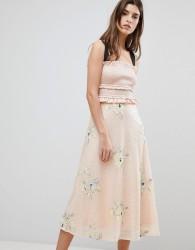 Three Floor Midi Dress With Frill Detail - Pink