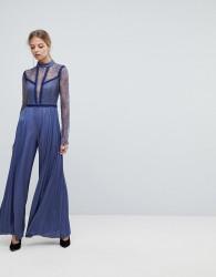 Three Floor Pleated Jumpsuit With Lace Sleeves - Blue