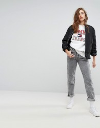 Tommy Jeans 90s Capsule Bleached Out Mom Jean - Grey