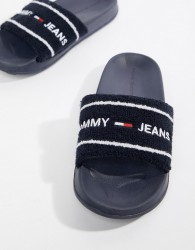Tommy Jeans Towelling Flag Logo Slider in Navy - Navy