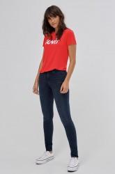 Top The Perfect Tee Valley Girl fra Levi's. Kortærmet model i fin jerseykvalitet med fløjlsprint på brystet og rund hals med lil