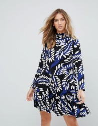 Traffic People High Neck Graphic Print Shift Dress - Blue