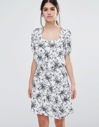 Traffic People Less Is Less Dress In Spring Floral Dress - White