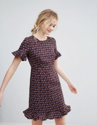 Traffic People Printed Dress With Flute Sleeve And Frill Hem - Purple