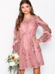 True Decadence Floral Lace Dress Kropsnære kjoler Dusty Pink