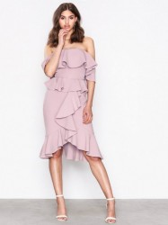 True Decadence Off Shoulder Frill Dress Kropsnære kjoler Dusty
