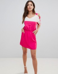 Urban Bliss Colour Block Dress with Cut-Out Sleeves - Pink