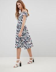 Uttam Boutique Leaf Print Prom Dress - White