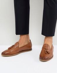 Walk London Chris Leather Tassel Loafers in Tan - Tan