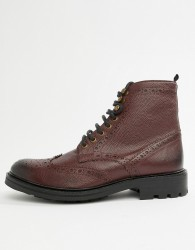 WALK London Sean brogue boots in burgundy leather - Red