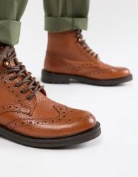 WALK London Sean brogue boots in tan leather - Tan