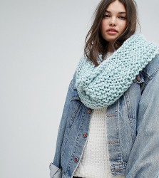 Willow and Paige Chunky Knit Snood - Blue