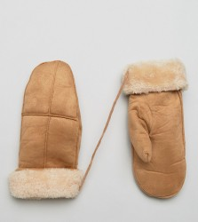 Willow and Paige Faux Shearling Mittens in Tan - Tan