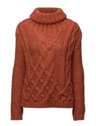 Winna Cable Knit