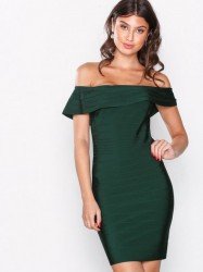 WOW Couture Off Shoulder Bandage Dress Kropsnære kjoler Hunter Green