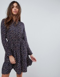 Yumi Long Sleeve Tea Dress in Ditsy Floral - Navy
