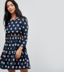Yumi Petite Long Sleeve Belted Dress in Tulip Heart Print - Navy