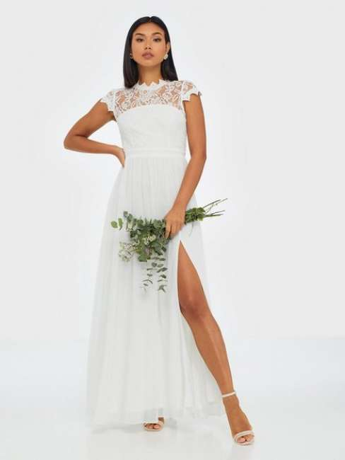 Priser på NLY Eve Flawless Lace Gown Maxikjoler