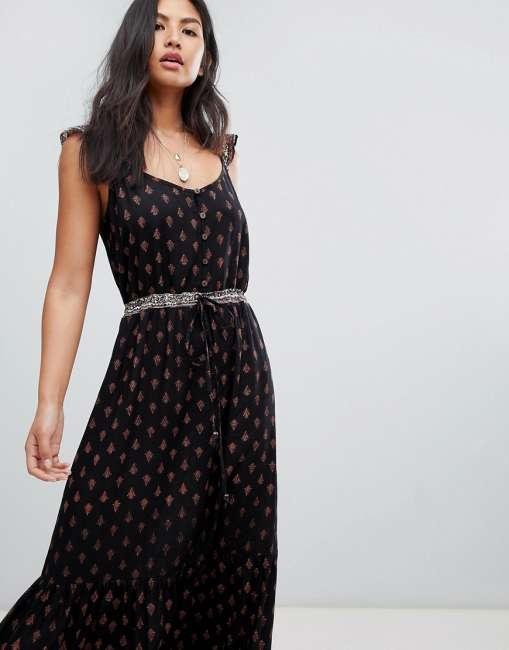 Priser på Raga Nocturnal Daze Ruffle Strap Maxi Dress - Black