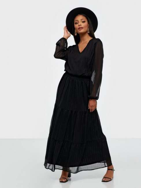 Priser på Sisters Point Nicoline Dress Maxikjoler